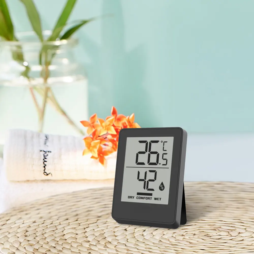How to Calibrate a Hygrometer With a Wet